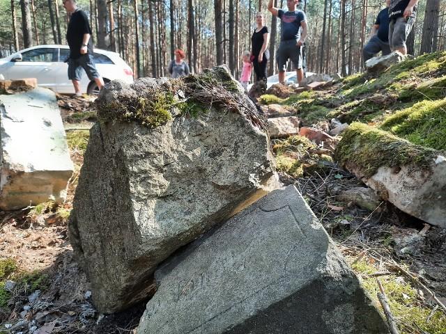 Mieszkańcy Lipna zaczęli porządkowanie poniemieckiego cmentarza w swojej wsi.