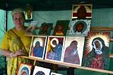 Jarmark Ikon w Sanoku. Na rynku ustawiono stoiska z ikonami, rękodziełem malarskim, tkackim, rzeźbami i regionalną żywnością [ZDJĘCIA]