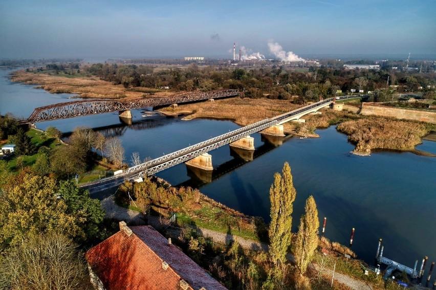 Most kolejowy nad Odrą w Kostrzynie nieczynny jest od kilku...