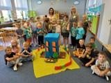 Lato pełne wrażeń w przedszkolu Jana Brzechwy w Ostrowcu (ZDJĘCIA)