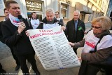 Wrocław: Solidarność okupowała siedzibę PO. Interweniowała policja (FILMY, NOWE ZDJĘCIA)