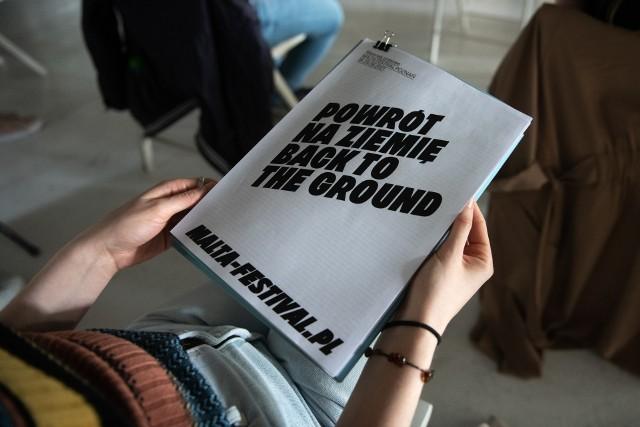 """31. edycja pod hasłem - """"Powrót na ziemię / Back to the Ground"""" odbędzie się w przestrzeni miejskiej i w plenerze. Z tej okazji zaplanowano mnóstwo wydarzeń, w tym powrót programu międzynarodowego."""