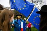 Sondaż. Polacy o Unii Europejskiej. Prawie 65 procent zagłosowałoby za pozostaniem w UE