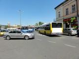 Bałagan na skrzyżowaniu w centrum Rzeszowa. Podpowiadamy, jak jeździć