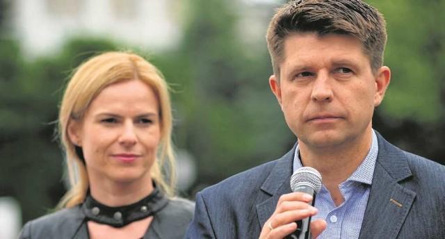 Bohaterowie niedawnego skandalu: Joanna Schmidt i Ryszard Petru