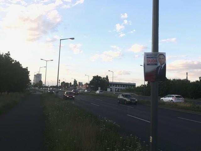 W poniedziałek do ZDM trafiły kolejne informacje o plakatach rozwieszonych w Poznaniu. Tym razem chodziło o ul. Księcia Mieszka I i Hlonda.
