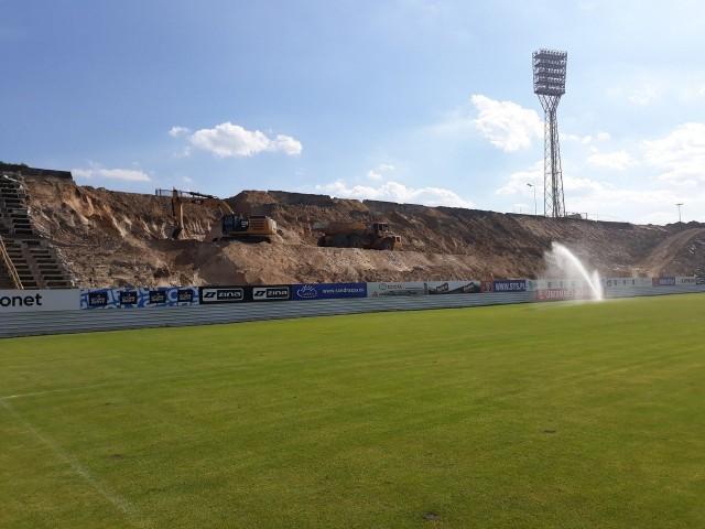 Jak budowali trybunę południową i zachodnią na stadionie Pogoni