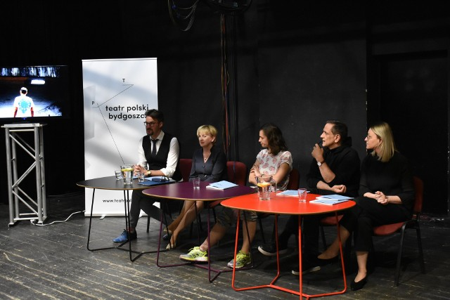 Kilka tygodni temu w bydgoskim Teatrze Polskim trwało spotkanie poświęcone międzynarodowemu spektaklowi.
