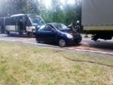 Wypadek voyagera w Czarnej Białostockiej. Kierowca autobusu był pod wpływem narkotyków, świadkowie poszukiwani