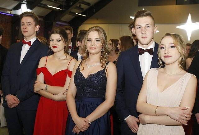 Studniówka IV Liceum Ogólnokształcącego w Łodzi odbyła się w hotelu a'ndels