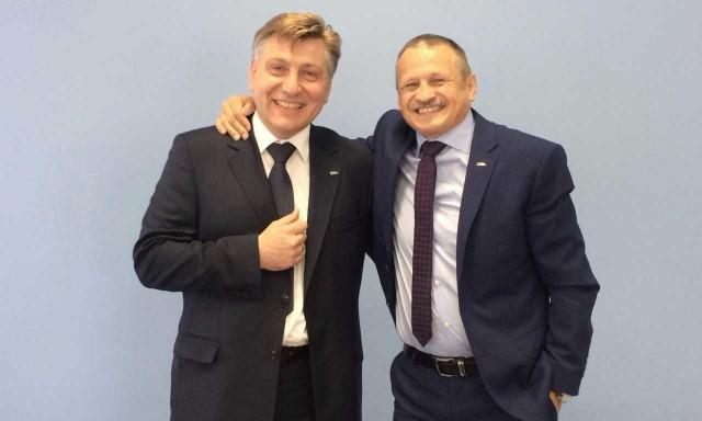Od lewej Robert Świechowicz, od prawej Tomasz Zaboklicki