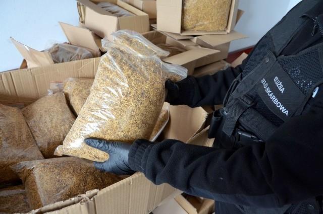 Paczki kurierskie skontrolowane. Wykryto 40 kg nielegalnego tytoniu