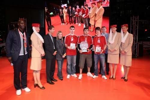 Zwycięzcy finału FIFA 08 w Berlinie. To trzech najlepszych na świecie graczy w Fifę.