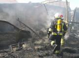 Groźny pożar w Opalenicy. Płonęły budynki gospodarcze