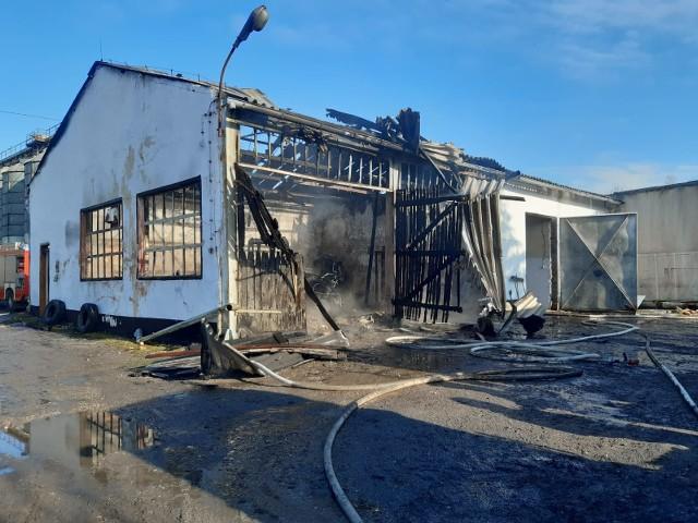 Maciejowice. Butla z acetylenem wyleciała w powietrze i spadła na dom oddalony o kilkadziesiąt metrów