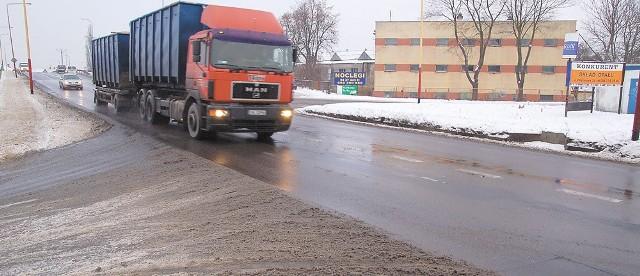 Ulica Pilska w Szczecinku to część drogi krajowej nr 11. Nowa obwodnica zaczęłaby się wcześniej, na wysokości Turowa.