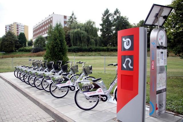 Ul. Głęboka. Jedna z pięciu stacji PKN Orlen w Lublinie, gdzie można wypożyczyć miejski rower