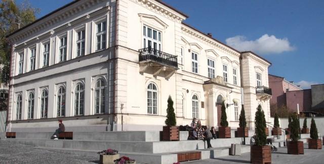 Pałacyk Towarzystwa Ziemskiego Kredytowego w RadomiuPałacyk Towarzystwa Ziemskiego Kredytowego w Radomiu znalazł w końcu nowego właściciela.