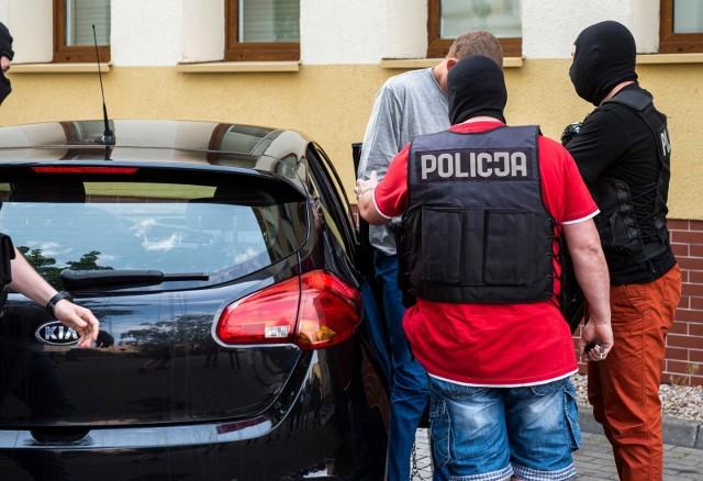 Mężczyźni zostali zatrzymani przez policję (zdjęcie poglądowe).