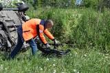 Wypadek na drodze przez łąki. 20-letni kierowca golfa z Kosakowa wypadł z drogi | ZDJĘCIA, WIDEO
