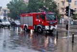 Ulewa w Warszawie: Zalany dom premiera Mateusza Morawieckiego. Ratusz: W stolicy spadły 42 litry wody na metr kwadratowy [ZDJĘCIA]
