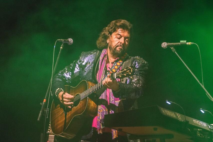 W sobotę w amfiteatrze w Dolinie Charlotty odbyła się druga odsłona 12. Festiwalu Legend Rocka. Publiczność bawiła się przy utworach Alana Parsonsa i zespołu The Waterboys. Zobaczcie zdjęcia.
