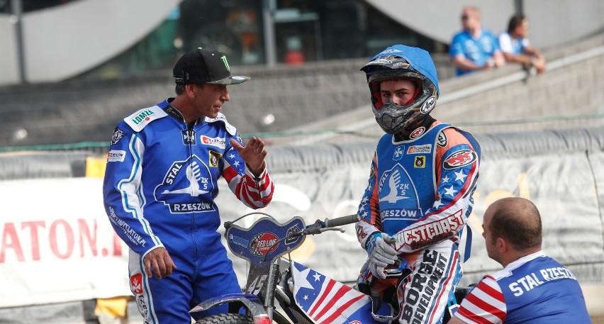 Luke Becker (na zdj. na motocyklu) wziął udział w turnieju indywidualnym w swojej ojczyźnie