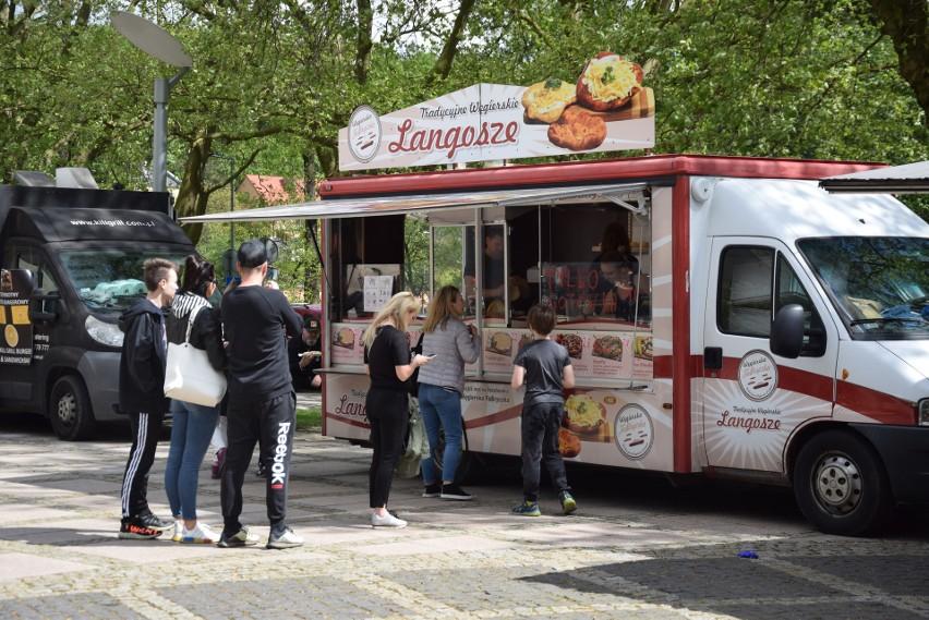 Festiwal Smaków Food Trucków przyciąga tłumy gorzowian.