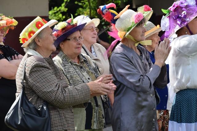 Starszych osób mamy coraz więcej. W Sępólnie należałoby pomyśleć o stworzeniu dla nich miejsca integracji