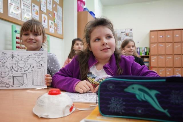 Uczniowie najmłodszych klas podstawówek już wrócili do swoich szkół