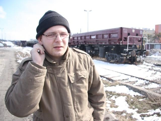 Sebastian Bar często jeździ pociągami do Opola i Wrocławia: - Do tej pory nic nie słyszałem, że kasy są nocą zamknięte.