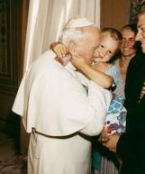 100. rocznica urodzin Jana Pawła II.  Dlaczego pielgrzymi z Olesna dotarli do Rzymu w strojach kąpielowych