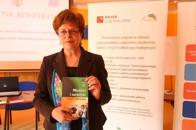 - Celem programu, który zainicjowaliśmy konferencją jest ograniczenie używania substancji psychoaktywnych przez kobiety w wieku prokreacyjnym – mówi Lucyna Wiśniewska, dyrektor radomskiego Sanepidu.