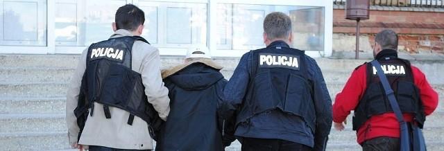 Policja zatrzymała podejrzanych o zabójstwo.