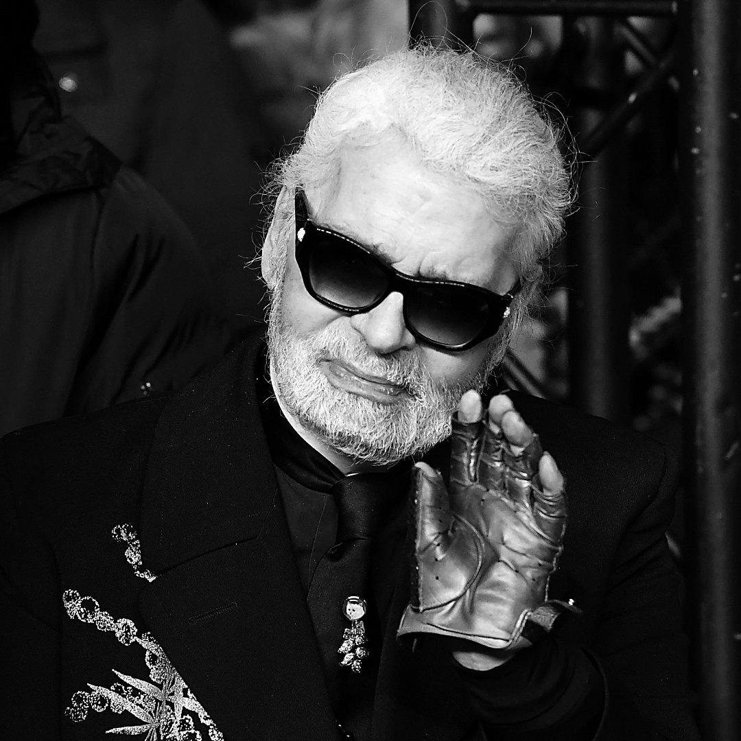 c3f4b13ad7 Karl Lagerfeld nie żyje. Najsłynniejszy na świecie projektant mody ...