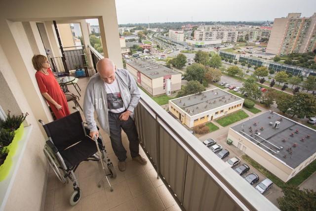 Panu Andrzejowi pozostało jedynie podziwianie Słupska z wysokości swojego balkonu