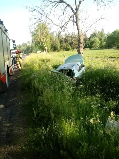 W Mariankach k. Rypina osobowe auto wypadło z drogi