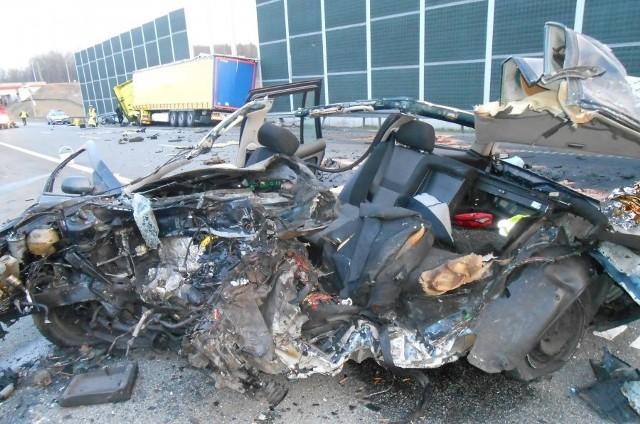 Śmiertelny wypadek w Bytomiu: Kierowca jechał pod prąd na autostradzie A1
