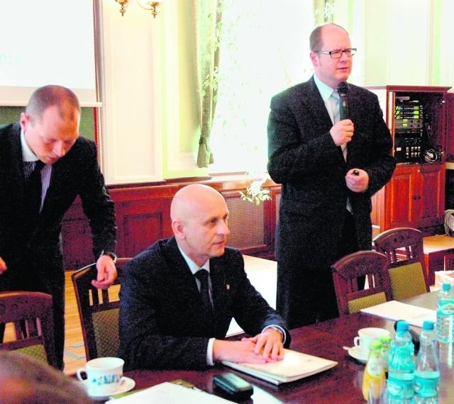 Samorządowcy nie zgotowali Adamowiczowi gorącego powitania