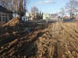 Utrudnienia na ul. Dąbrowskiego, przy wlocie od strony Baranowa: Drogowcy zamykają jeden pas jezdni