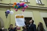 PIT 2018. Już więcej niż połowa Polaków rozlicza się z fiskusem przez Internet