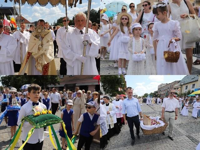 To jedno z najważniejszych świąt w Kościele katolickim. W czwartek katolicy obchodzą Boże Ciało. Przez centrum miasta przeszła procesja. Zapraszamy do obejrzenia naszej fotorelacji!Zobacz: Kameralna procesja na Bacieczkach. Wierni szli w upaleBoże Ciało 2018. Procesje na białostockich osiedlach Słoneczny Stok, Zielone Wzgórza