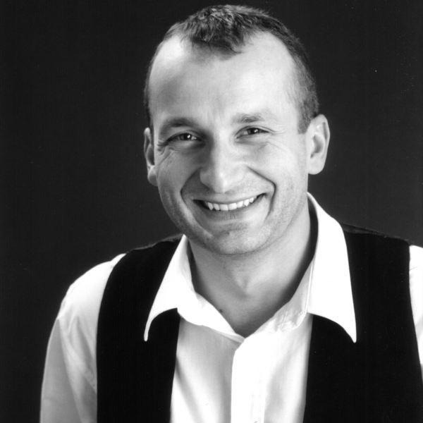 Robert Górski, lider Kabaretu Moralnego Niepokoju.