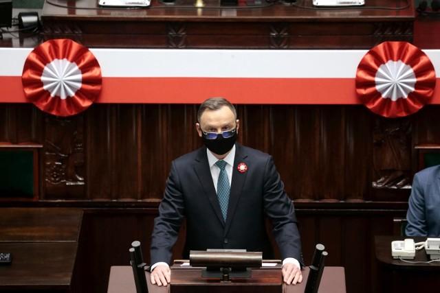 - Bardzo się cieszę, że 230. rocznicę uchwalenia Konstytucji 3 Maja świętujemy we wspólnym, polsko-litewskim gronie- mówił Andrzej Duda.