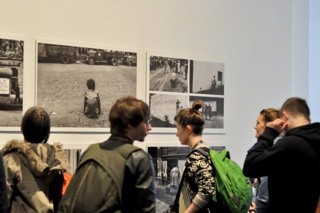 Tradycyjnie na Krakow Photo Fringe składają się propozycje wystaw i wydarzeń nadsyłane do organizatorów Miesiąca Fotografii, z których najoryginalniejsze włączane są do program