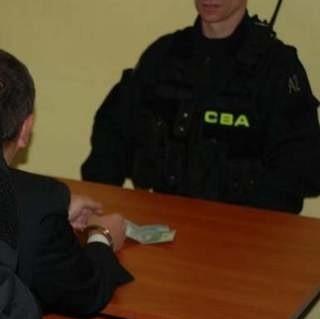 CBA zatrzymało ośmiu lekarzy podejrzanych o korupcję.