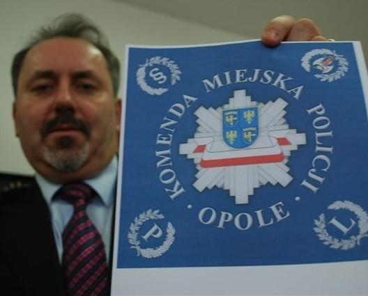 Henryk Lakwa, opolski starosta, nie zgadza się na to, aby na chorągwi znalazł się tylko herb Opola.