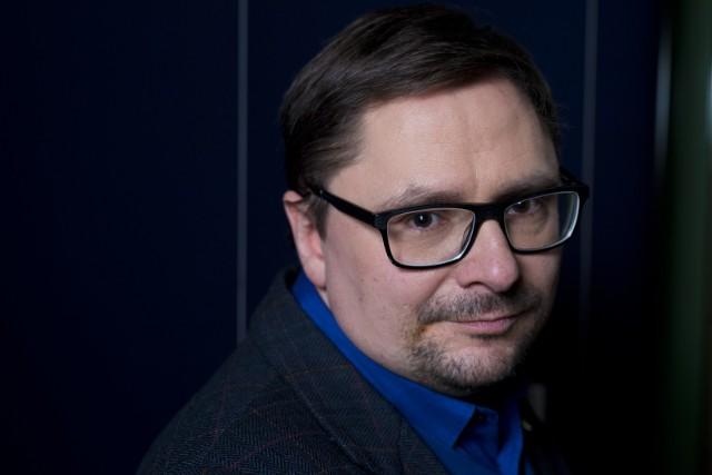 Tomasz Terlikowski: Dziennikarz, filozof, publicysta, tłumacz, pisarz, działacz katolicki, były redaktor naczelny Telewizji Republika; od 2017 r. dyrektor programowy tej stacji.