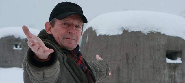 - Międzyrzeckie fortyfikacje kryją jeszcze wiele tajemnic. Może właśnie tu Niemcy ukryli Bursztynową Komnatę - zastanawia się Janusz Klupsch, na którego polach znajduje się kilka bunkrów.