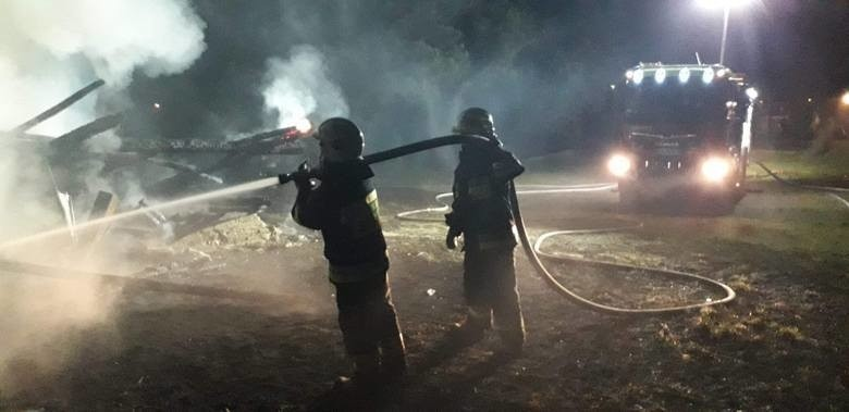 Strażacy OSP oskarżeni o podpalenia. Chcieli zarobić na ekwiwalencie za udział w akcji. Grozi im nawet 10 lat więzienia
